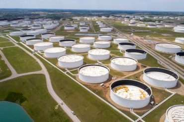 U.S. oil inventories fall across the board last week-EIA - Inside Financial Markets