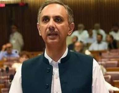 Power sector to save Rs147 bln in 3 years after streamlining LNG consumption matters: Omar - Inside Financial Markets