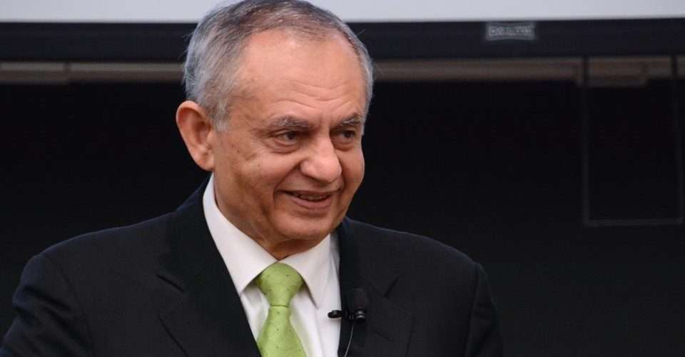 Commerce ministry sets exports targets to US $ 26 bln in three years: Razak Dawood - Inside Financial Markets